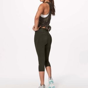 """LULULEMON Fast and free HR Crop 19"""" NWT Olive 10"""